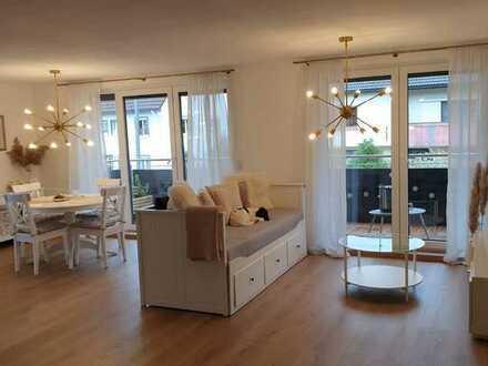 Erstbezug: freundliche 4-Zimmer-Wohnung mit Einbauküche und Balkon in Waldachtal