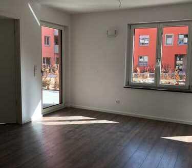Erstbezug: Schöne 2-Zimmer-Erdgeschosswohnung mit großer Terrasse in Sendling-Westpark, München