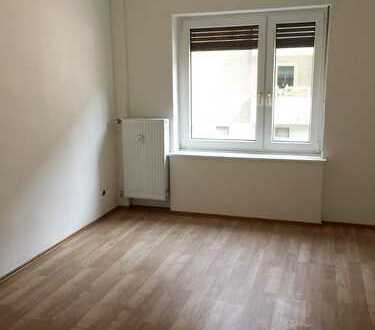 RENOVIERTE 1-Zimmerwohnung |Wohnen am Stadtrand | Gelskirchen Heßler