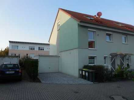 Reiheneckhaus im Mertonviertel (neu renoviert, Nähe Europäische Schule) – ohne Provision