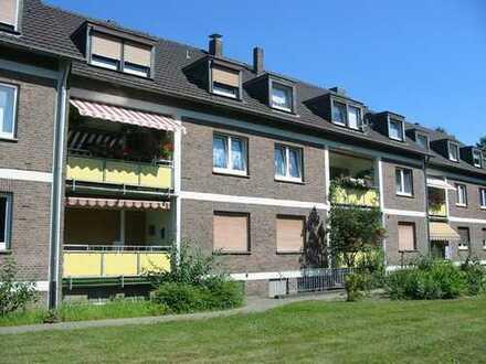 Schöne 3 Zimmer DG-Wohnung im ruhigen Krefeld-Uerdingen