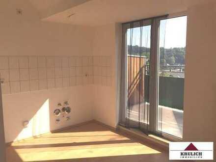 Schöne Singlewohnung mit Balkon und offener Küche