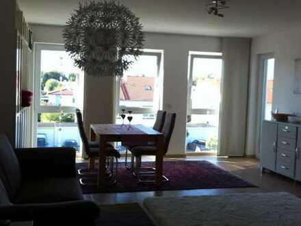 Neuwertige 3-Zimmer-Wohnung mit Balkon und Einbauküche in Augsburg
