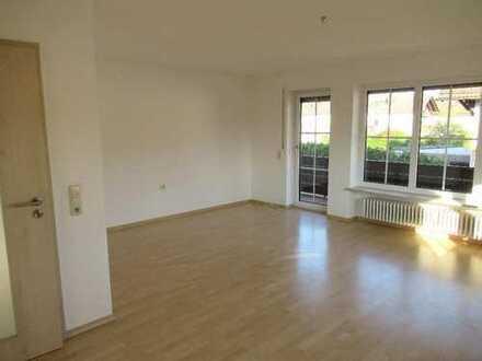 Ch.Schülke-Immobilien; geräumige 3,5-Zimmer-Wohnung mit Balkon, Gartennutzung und Garage