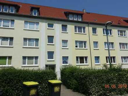 Vollständig renovierte 3-Raum-Wohnung mit Balkon in Groitzsch