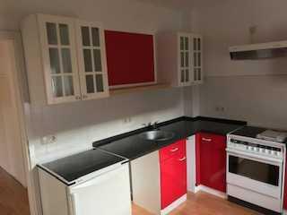 Preiswerte, geräumige und sanierte 2-Zimmer-Wohnung mit EBK (VB) in Eula