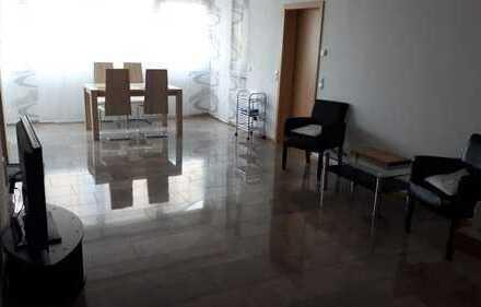 Provisionfrei für den Käufer!!! 6 Zimmer großer Wohnung oder zwei Wohnungen