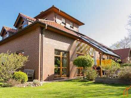 Exklusives Architektenhaus mit Doppelgarage, Sauna, unverbautem Blick u.v.m. zentral in Leer!