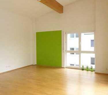 ** Baujahr 2005 * Hohe Räume (bis 4,10 m) * DACHTERRASSE (16 m2) * Ruhige Wohnlage **