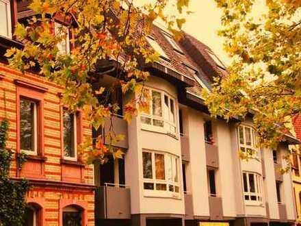 gepflegte 2-Zimmer Wohnung mit Einbauküche und Balkon