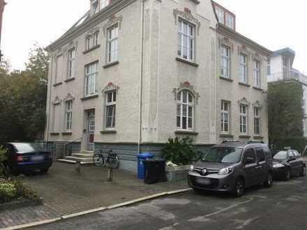 2 Zimmer Wohnung mit Dachterrasse in ruhiger und zentraler Lage!