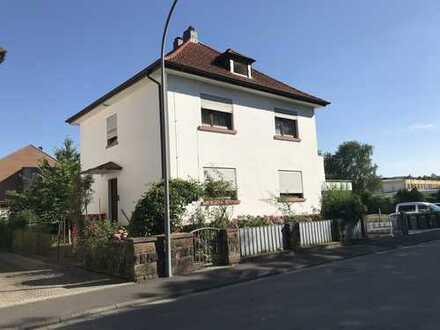Einfamilienhaus mit zusätzlich bebaubarem Grundstück - oder Abriss und Neubau mit MFH