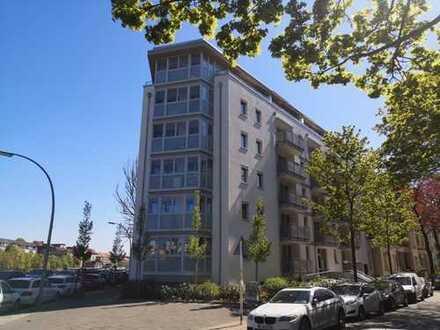 Gehobene, moderne 2-Zimmer-Wohnung mit EBK und Balkon - Zentral im Ortsteil Schmargendorf !!