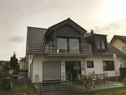 Erstbezug mit Balkon: freundliche 4-Zimmer-Dachgeschoss-Wohnung in Hürth
