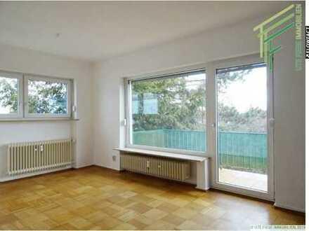 Schöne und gut geschnittene 1 Zimmerwohnung mit Balkon und Einbauküche