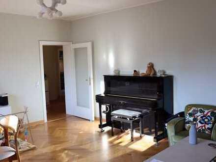 Stilvolle, modernisierte 3-Zimmer-Wohnung 84 qm mit zwei Balkonen in bester Lage Lindenthal.