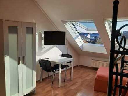 Schöne 2-Zimmer-Dachgeschosswohnung mit EBK in Waghäusel