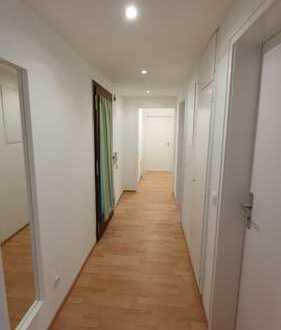 Möbliertes Zimmer in ganz neu sanierte 3er WG in Ludwigsburg Nord mit super Verbindung an öffentlich