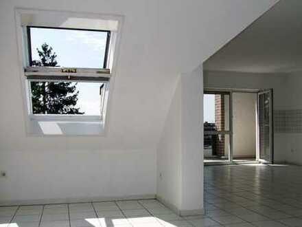 Moderne, vollständig renovierte 3 Zimmer Wohnung mit Südbalkon!