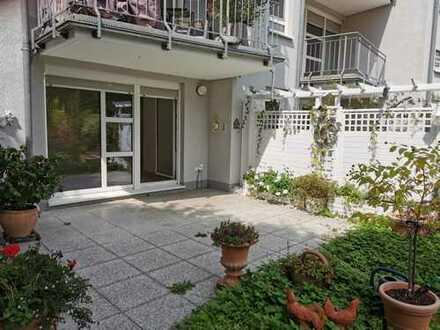 Schicke Wohnung mit großer Terrasse und die Ruhr in nächster Nähe!!!
