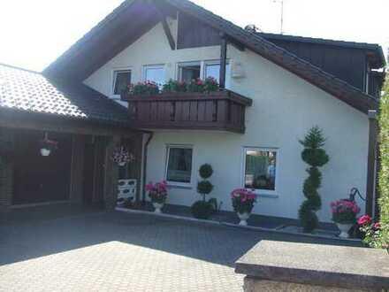 Gepflegte 3-Zimmer-Dachgeschosswohnung mit Balkon und Einbauküche in Lindau (Bodensee) (Kreis)