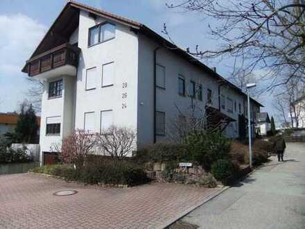 Schöne drei Zimmer Wohnung in Leonberg