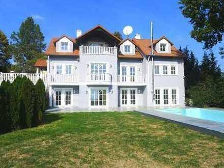 NÜRNBERG-BRUNN: Großzügige Villa mit Swimmingpool, Kamin & Doppelgarage auf einem wunders...