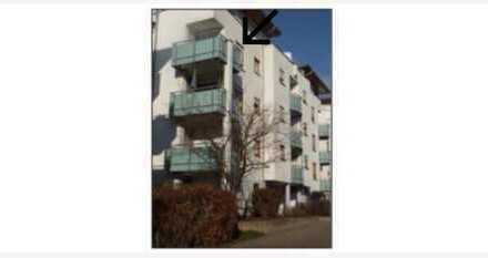 2-Zimmer-Wohnung mit TG-Stellplatz, Einbauküche und Balkon in Plochingen