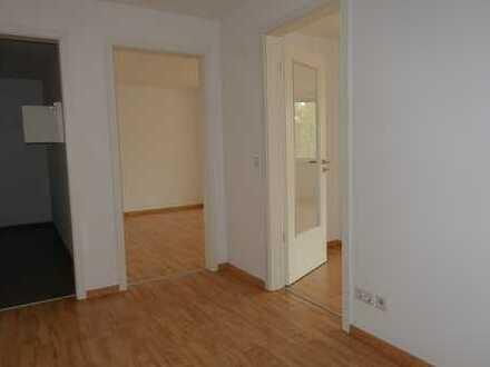 Renovierte 2-Zimmerwohnung mit EBK und Balkon