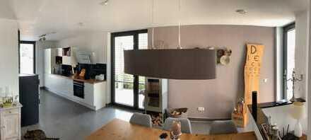 Neuwertige und sehr exklusive Doppelhaushälfte in Lonsee in Sonnenlage zu verkaufen