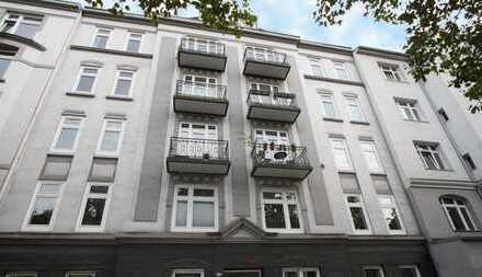 Das Beste kommt zum Jahresende! 1.OG: moderne 2-Zimmer-Jugendstil-Wohnung mit großem sonnigen Balkon
