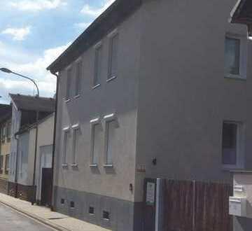 Grosses Einfamilienhaus mit 7 Zi plus Remise auf 800 qm Grund
