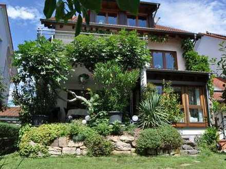 Sehr schön gelegene Wohnungen mit traumhaftem Garten provisionsfrei zu kaufen