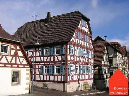 Wunderschöne 4-Zimmerwohnung, bestens renoviert, in einem alten Fachwerkhaus in Dürrn