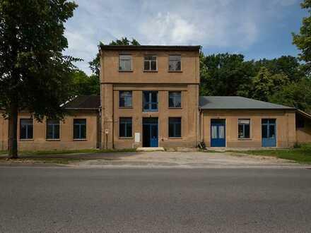 Doberschau/Schlungwitz - Großzügige Gewerbefläche mit Möglichkeit zur verschiedenen Nutzung