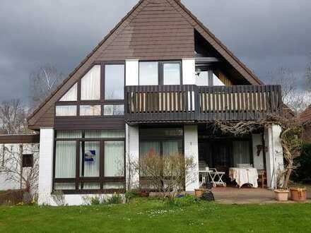 Freistehendes Architektenhaus mit grossem Garten