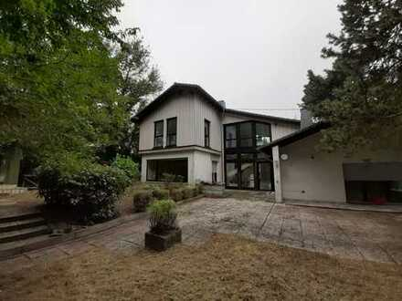 Erstbezug nach Sanierung: attraktives 5-Zimmer-Einfamilienhaus mit Offenstall und großem Grundstück
