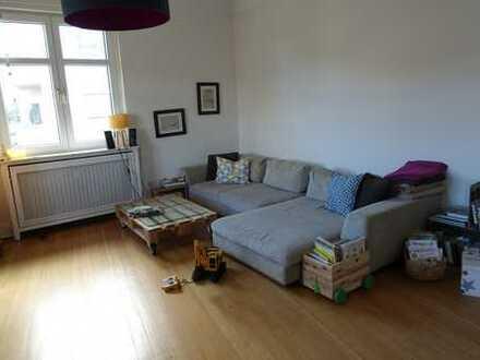 Schöne 4-Zimmer-Altbauwohnung mit Balkon und Einbauküche in Mannheim,