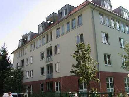 Mietfrei für 2,5 Mon. renov-bed. attr. 4-Zi-Whg. m EBK und Balk./Garten in Mariendorf, Berlin