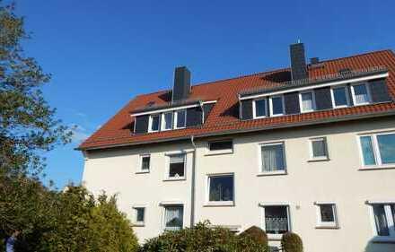 Helle 3-Zimmer-Dachgeschosswohnung in ruhiger Sackgassen-Lage in Aumund-Hammersbeck, Bremen-Nord