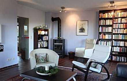 Erdgeschosswohnung in ruhiger Lage mit Garage, Garten und großer Terrasse