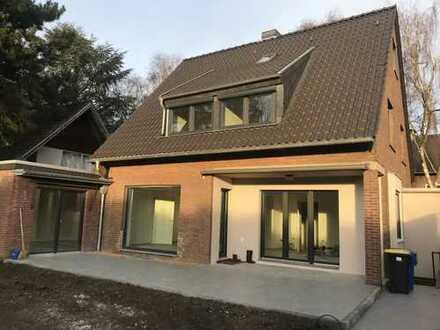 Ruhiges EFHaus, Erstbezug nach Komplettmodernisierung, 4 Schlafzimmer, Garten, Garage in Benrad-Süd