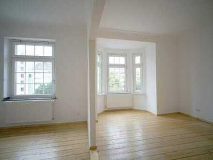 Charmante, helle 3-Zimmer-Altbau-Wohnung