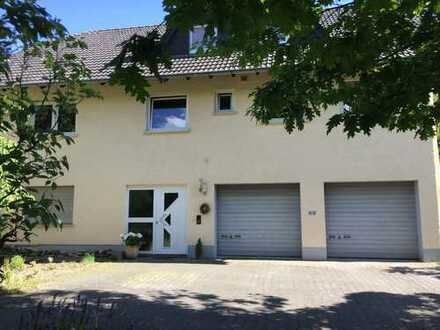 Zweifamilienhaus in exklusiver Lage Karben OT Kloppenheim - von PRIVAT!
