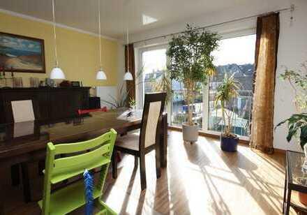 +++in ruhiger Wohnlage, helle 3 ZKB/ca. 100 m² Wfl./Balkon/Garage in Pfaffenhofen+++