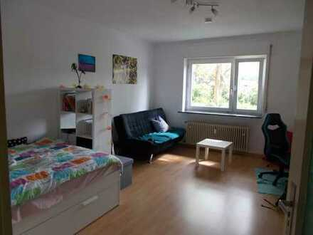 modernisierte 3-Zimmer-Hochparterre-Wohnung für eine 3er WG, nähe ECE Center
