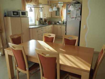Furnished room, DSL, TV, eat-in kitchen, 20min to Alexanderplatz, nonsmoker