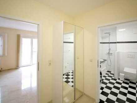 Betreutes Wohnen: Schöne, komplett renovierte 1-Zimmer-Wohnung mit Balkon und Keller