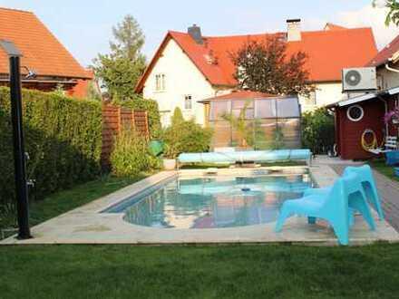 Schönes Reihenendhaus in Dresden-- Gohlis mit Pool zu vermieten