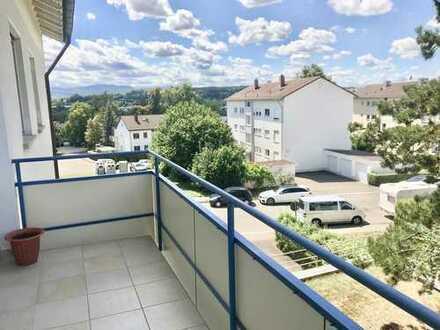 Gemütliche 2 Zi.-Wohnung mit schöner EBK und Balkon in Göppingen